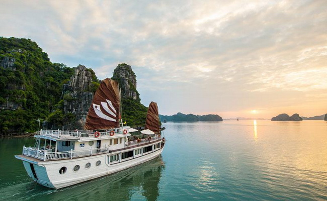 Bhaya Legend Cruise Halong Bay