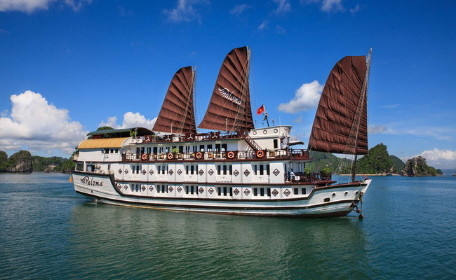 Paloma Cruises Halong Bay